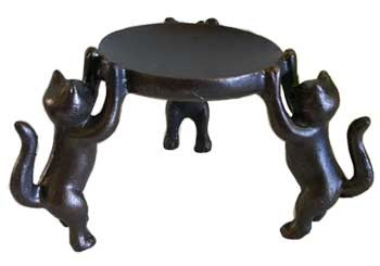 3 Cats candle holder